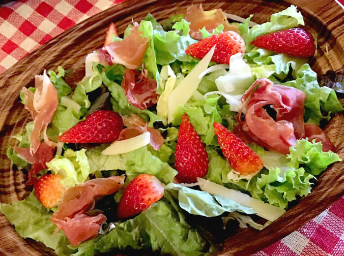 生ハムとイチゴのサラダ|つくばスペインバル|SpanishBarBonito「スパニッシュバルボニート」
