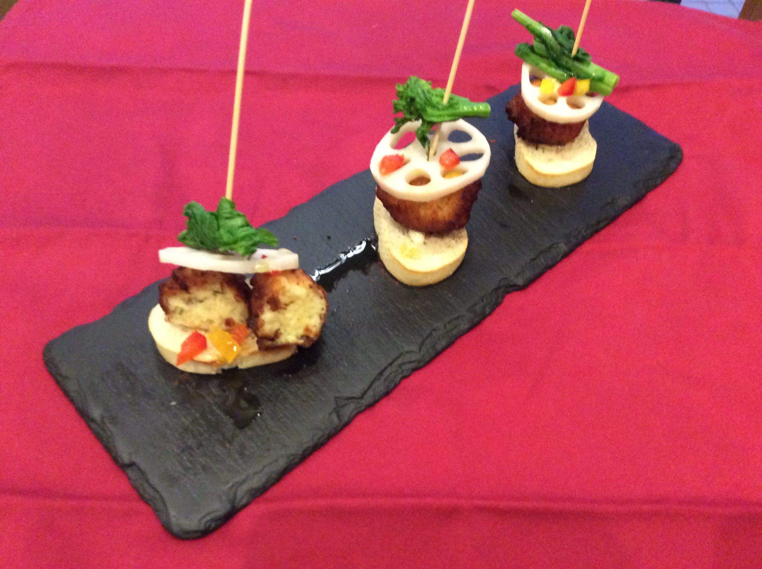 自家製スペイン風鱈のポテトコロッケのピンチョスプレゼント!page-visual 自家製スペイン風鱈のポテトコロッケのピンチョスプレゼント!ビジュアル